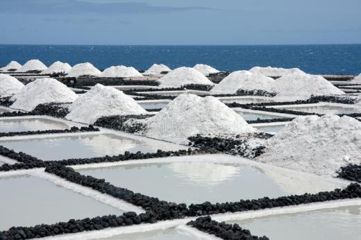 salt-extraction-la-palma-canary-islands-11919594