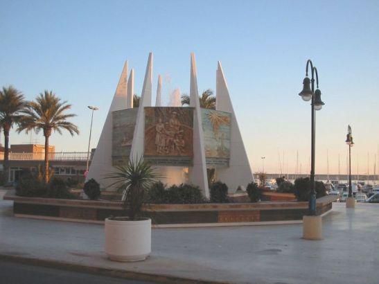 Torrevieja-MonumentoCoralista